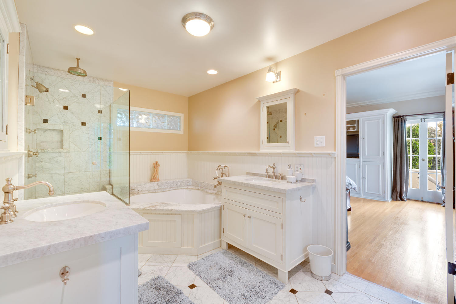 Huge master bathrooms - Gorgeous Hancock Park Home